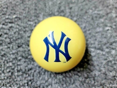 New York Yankees MLB TEAM BILLIARD GAME POOL TABLE CUE 8 BALL REPLACEMENT