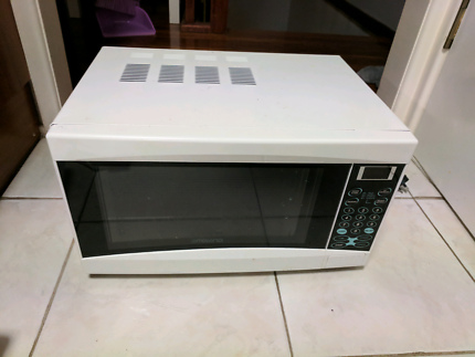 Gone pending pickup - Working microwave oven