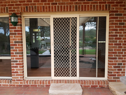 Aluminium glass sliding screen door
