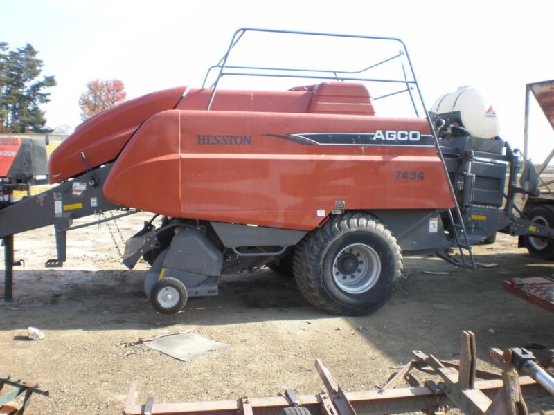 2009 Heston AGCO  7434 Big Bailer