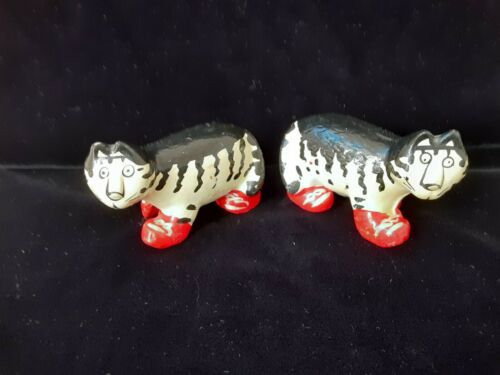 Takahashi Cat Kliban Salt and Pepper Shakers Striped Cat Red Sneakers Shoes