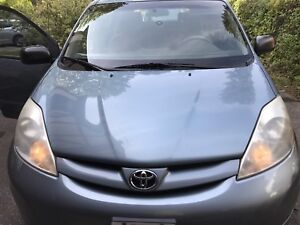 2007 Toyota Sienna - AS IS- Quick sale
