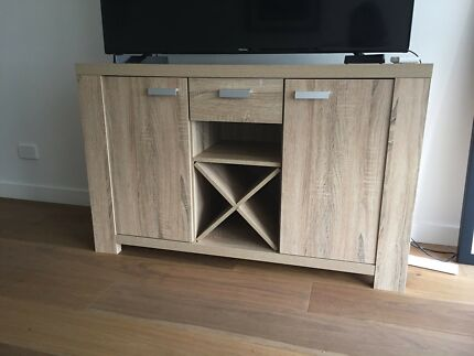 Buffet in Natural wood finish