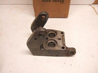 New John Deere 2510 2520 3010 4010 4020 5010 5020 6030 Brake Valve Bracket