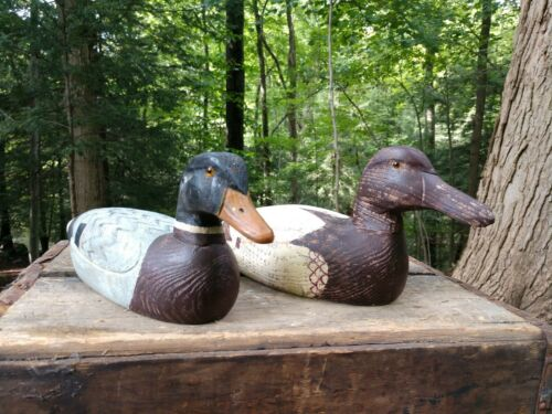 Vintage Hand Carved Wood Ducks (2)