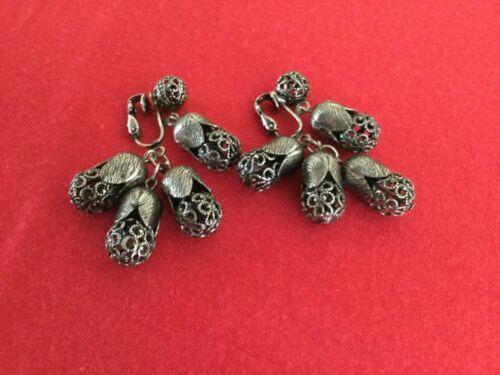 """1 3/4"""" Drop/dangle vintage filigree gunmetal clip on earrings, very unusual!"""