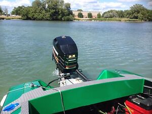 1993 2.5 245hp like new condition  outboard engine / motor