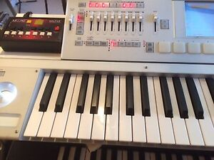 Korg m3 synth workstation