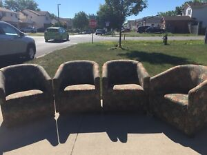 Bucket Rolling Chairs - Great Condition - Welland