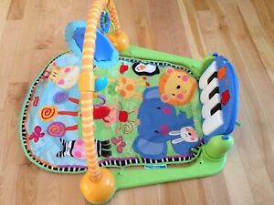 Tapis d'éveil Fisher Price
