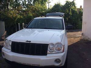 2005 Jeep Grand Cherokee very clean