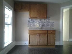 2 bedroom Central Apartment available  Immediately