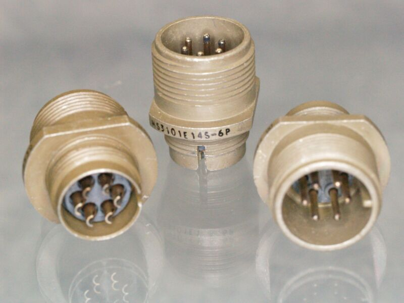 3 ITT  MS3101E14S-6P insert Circular MIL Spec Connector 6 PIN