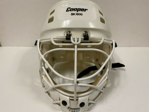 COOPER GOALIE HOCKEY MASK SK600 w HM30 Cage size Medium AMAZING CONDITION
