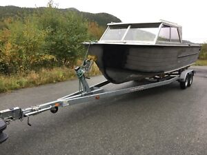 30ft Boat trailer and project boat