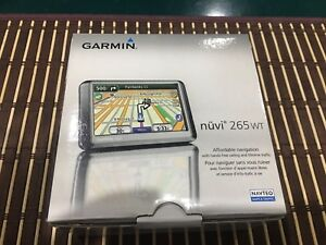 GARMIN gps nuvi 265WT model - updated maps and live traffic