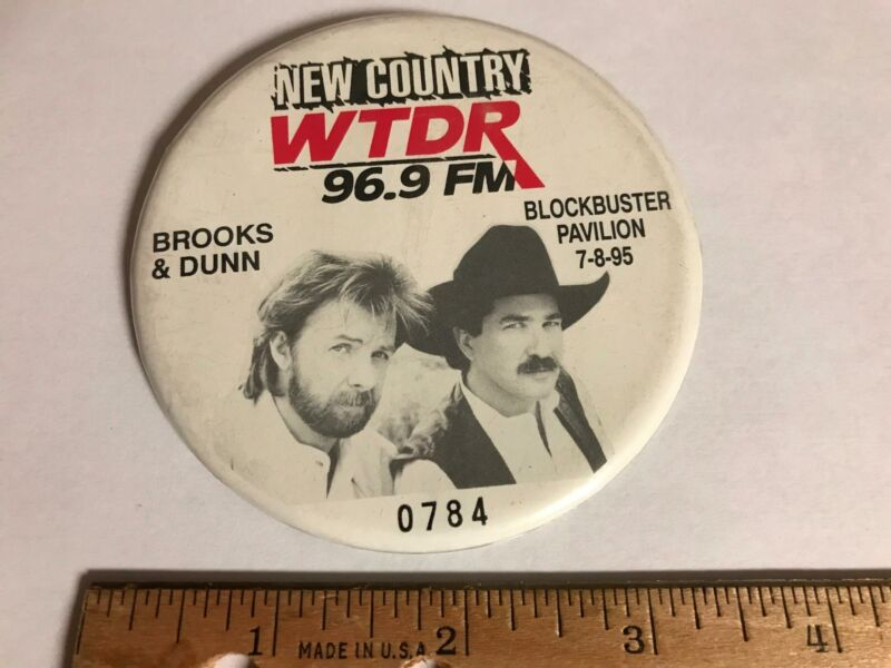 Vtg 1995 New Country WTDR 96.9 FM Charlotte NC Brooks & Dunn Concert Button Pin