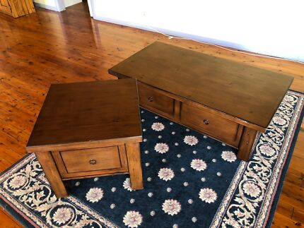 Coffee table with matching corner table