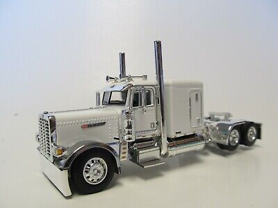 DCP 1/64 SCALE 389 PETERBILT FLAT TOP  WHITE, PRIDE & CLASS HOOD & GRILL
