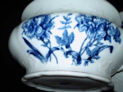 Knowles Taylor & Knowles Semi-Vitreous Porcelain Chamber Pot White & Blue