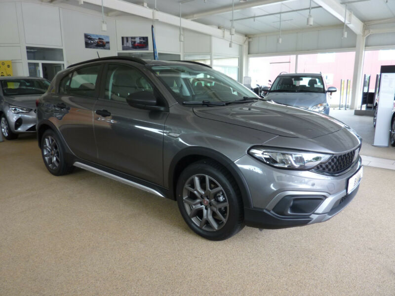 Fiat Tipo Cross City 1,0T NEUES MODELL