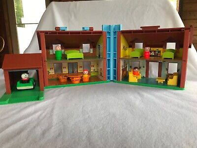 Fisher Price Little People Play Family Tudor House #952 1980's