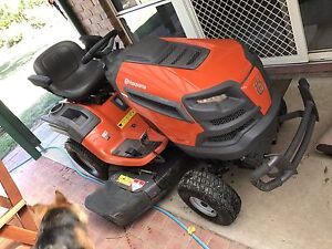 "Husqvarna TS 342 Ride on mower / lawn tractor 42"" Woodside Adelaide Hills Preview"