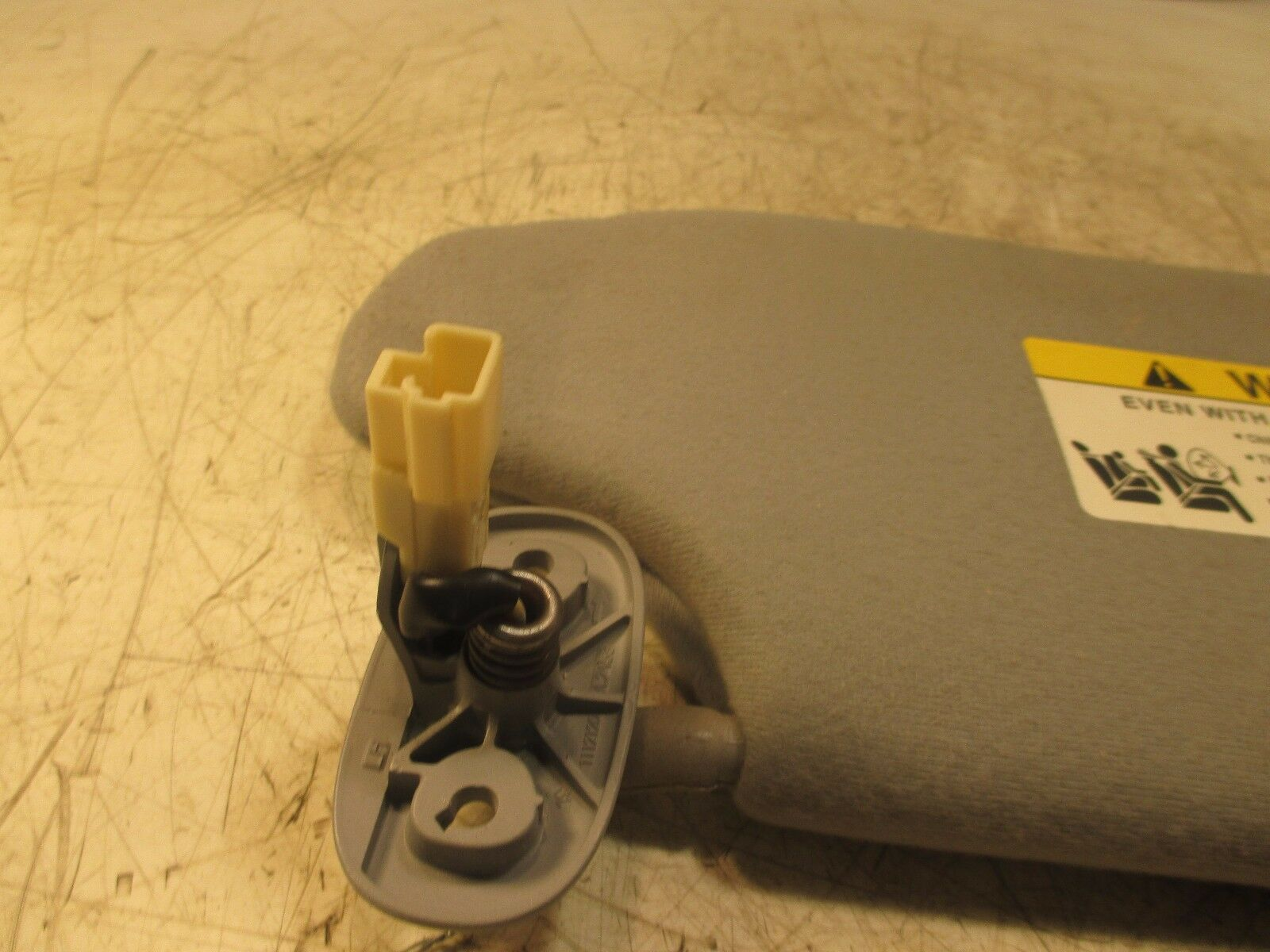 Used 2011 Mitsubishi Galant Interior Parts For Sale Fuse Box Es 24l Oem Driver Sunvisor Sun Visor Shade