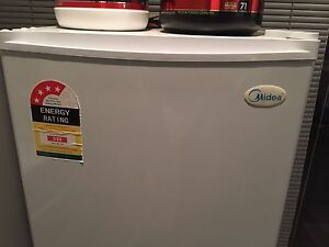 Upright 131L Freezer Clarkson Wanneroo Area Preview