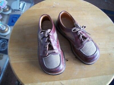 CHILDREN'S VINTAGE OXFORD STYLE DRESS SHOES FROM 1960'S LUCKY STAR SIZE 5 1/2