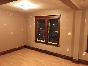 INCLUSIVE 2 Story 2 Bedroom in Rosedale area