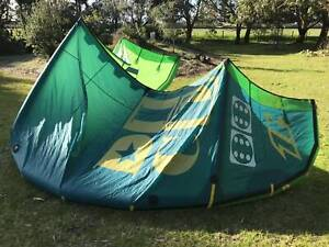 2014 North Dice 12m - kiteboarding kite and bar
