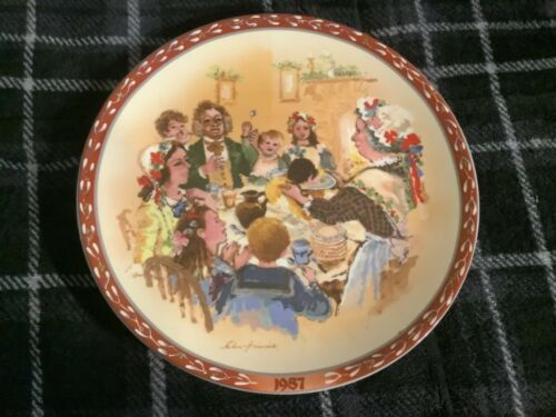 The Christmas Pudding Plate by John Finnie 1987 Free Ship