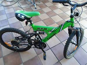 KIDS BIKE NICE GREEN SUSPENSION WITH 10 SPEED GEARS CHANGE. Tempe Marrickville Area Preview
