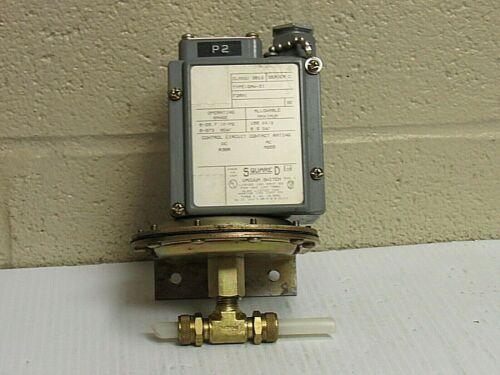 SQUARE D VACUUM SWITCH 9016-GAW-21 9016GAW21 SER C - USED