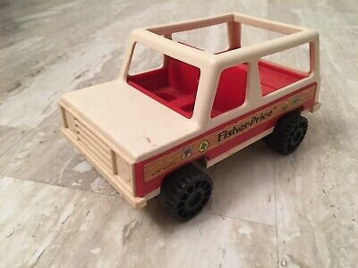 Vintage 70's Fisher Price Little People Play Family Station Wagon Jeep #992 1979