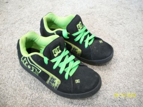 Boys DC Skate Shoes Sneakers size 3.5 Black Lime Green Sued  Leather Lace Up