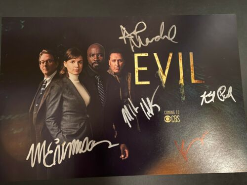 MIKE COLTER SIGNED EVIL PHOTO 12X18 KATJA HERBERS AUTOGRAPH MICHAEL EMERSON 1