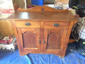 Antique Side Board Killarney Vale Wyong Area Preview