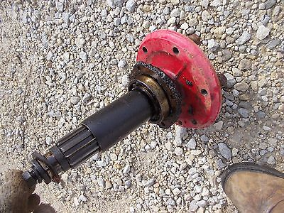 Farmall B Tractor Ih Short Stub Axle - Drive Shaft Bearings Left Side - Studs