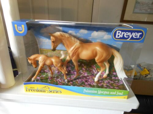 Breyer HORSE #62045 Freedom Series Palomino MARE AND FOAL CLASSIC 1:12 PLASTIC