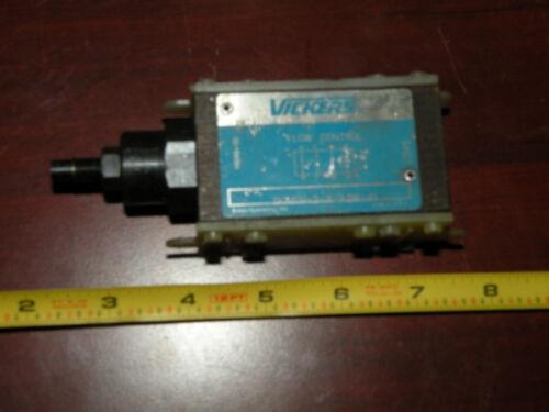 Vickers Eaton Flow Control Valve DGMFN-3-Y-A2W-41