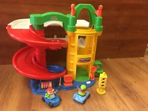 Garage Little people Fisher price