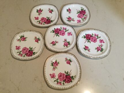 Midwinter porcelon burslem rose plates