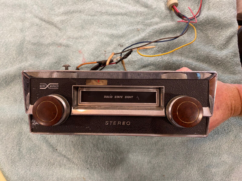 VINTAGE BORG WARNER SOLID P7MWD STATE EIGHT STEREO 8 TRACK TAPE PLAYER