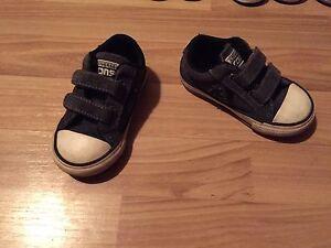 Converse, size 5, 10$