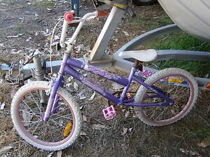 """childs bicycle, sea star, 20"""" tyres''' Beaufort Pyrenees Area Preview"""