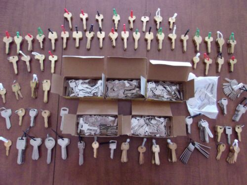 REDUCED , Key Blank Lot , 654 Domestic and Import Auto Key Blanks , Sorted