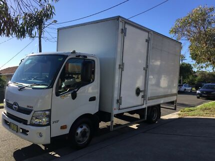 Hino Pantech  Truck