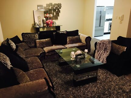 One bedroom avail in a beautifully furnished  2 bdrm apt